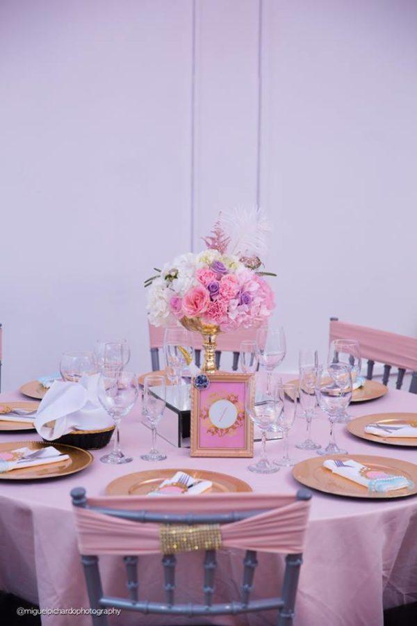 elegant-marie-antoinette-baby-shower-guest-seating