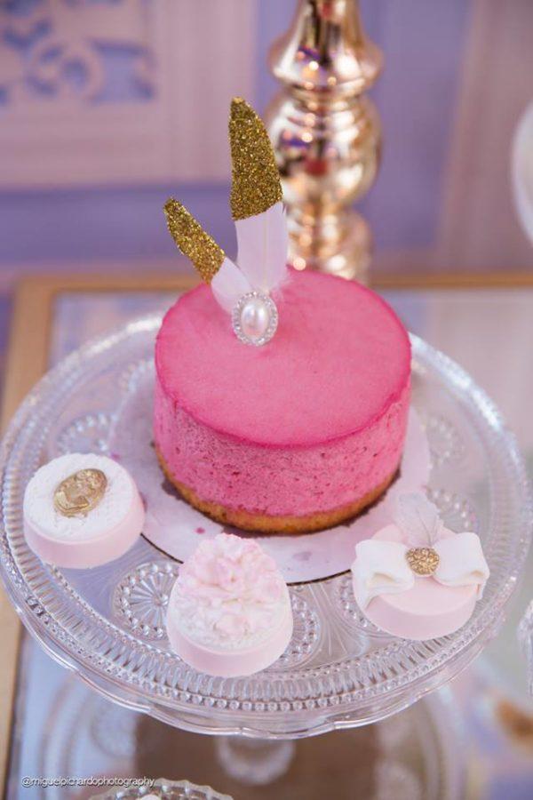elegant-marie-antoinette-baby-shower-mini-cake