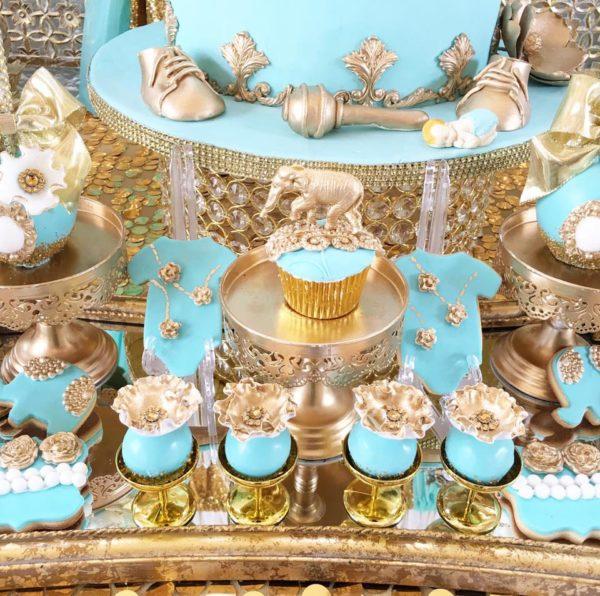 regal-elephant-shower-cupcakes