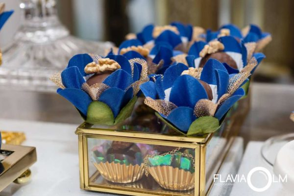 royal-blue-and-gold-prince-shower-chocolates