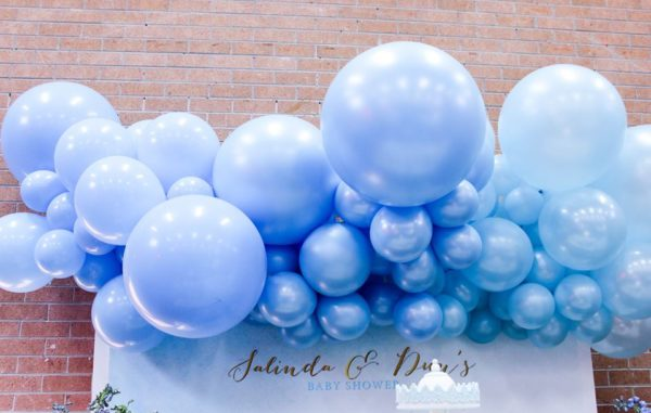 luscious-blue-and-gold-shower-balloon-arrangement