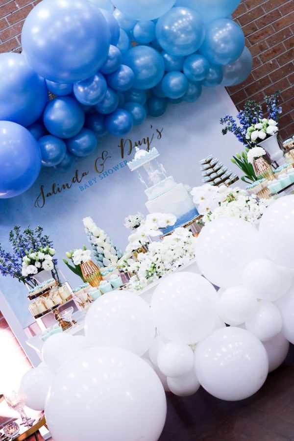 luscious-blue-and-gold-shower-decorations