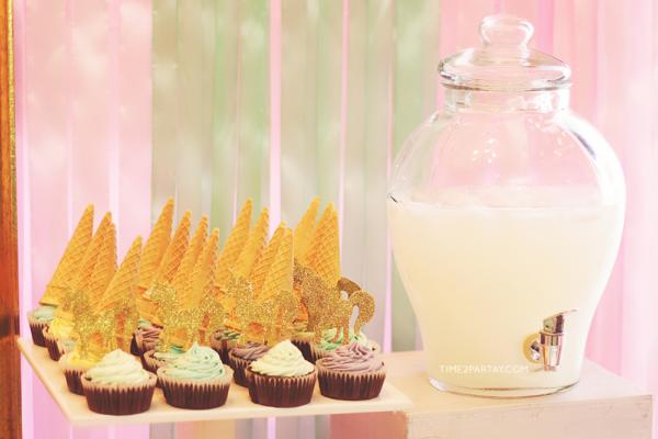 sparkle-unicorn-baby-shower-cones