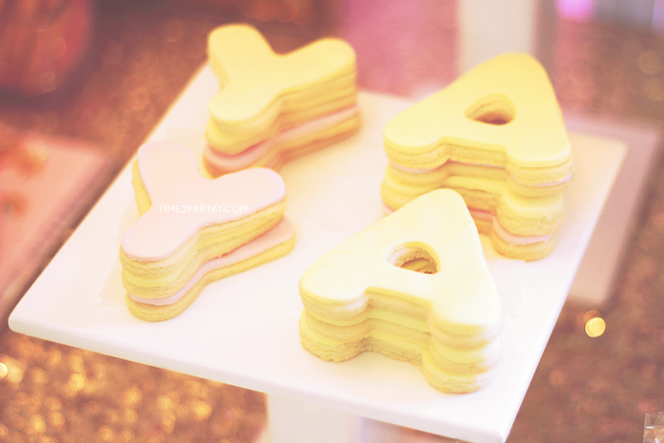 sparkle-unicorn-baby-shower-cookie-letter-shapes