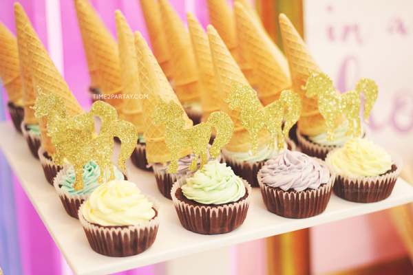 sparkle-unicorn-baby-shower-cupcakes