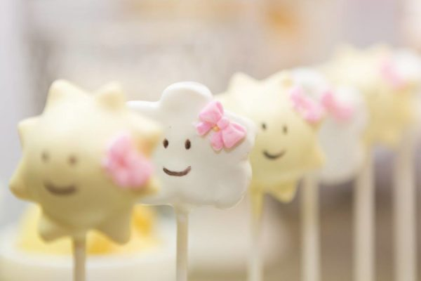 pastel-you-are-my-sunshine-shower-cloud-cakepop
