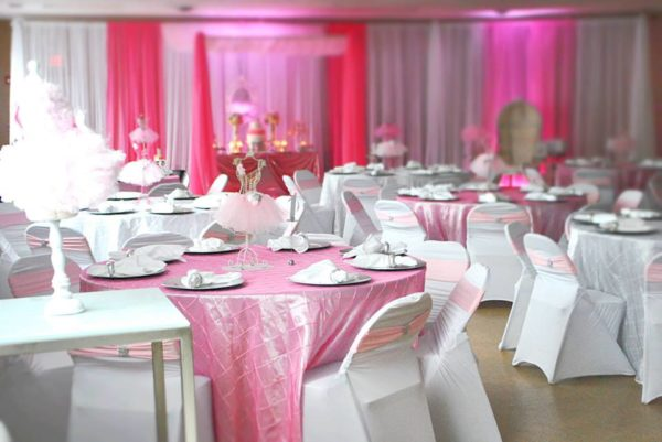 pretty-pink-ballerina-baby-shower-guest-tables