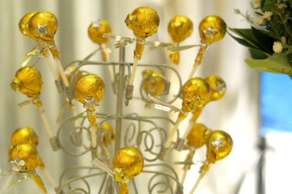 twinkle-twinkle-little-star-golden-baby-shower-wrapped-treats