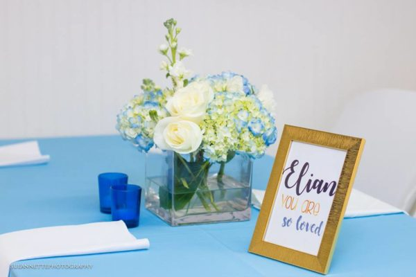 chic-blue-baby-shower-gold-frame