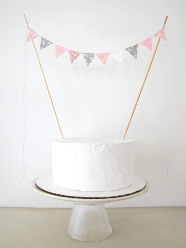 gender-reveal-cake-topper-pastel-fabric-cake-bunting