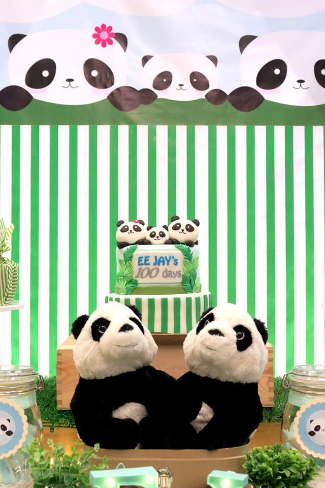 panda-themed-baby-celebration-striped-backdrop