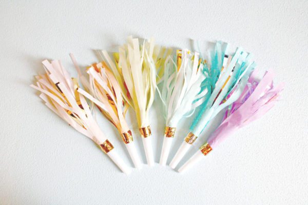 pastel-rainbow-gold-party-horns-noisemakers