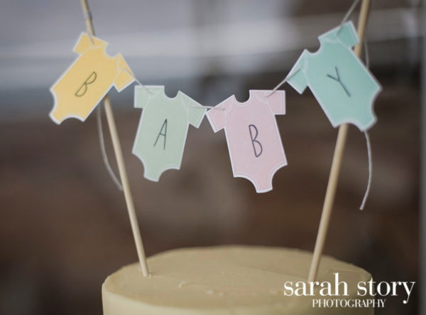 soft-pastel-baby-onesie-cake-bunting-topper