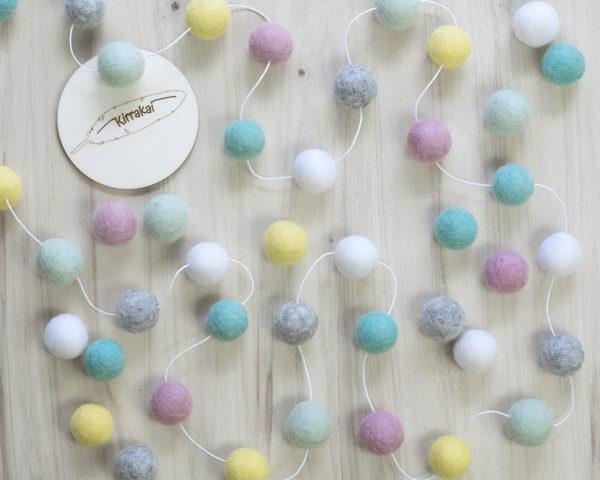 spring-pastel-felt-ball-garland-pink-mint