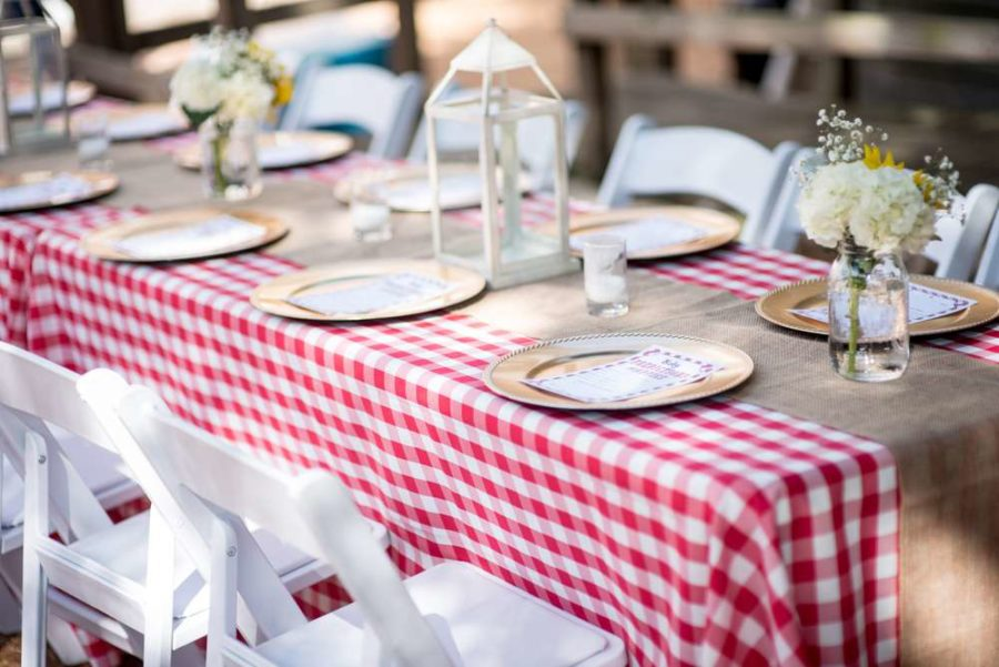 backyard-bbq-baby-shower-visitor-table