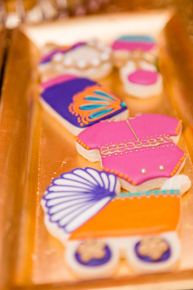 colorful-moroccon-baby-shower-onsie-cookies