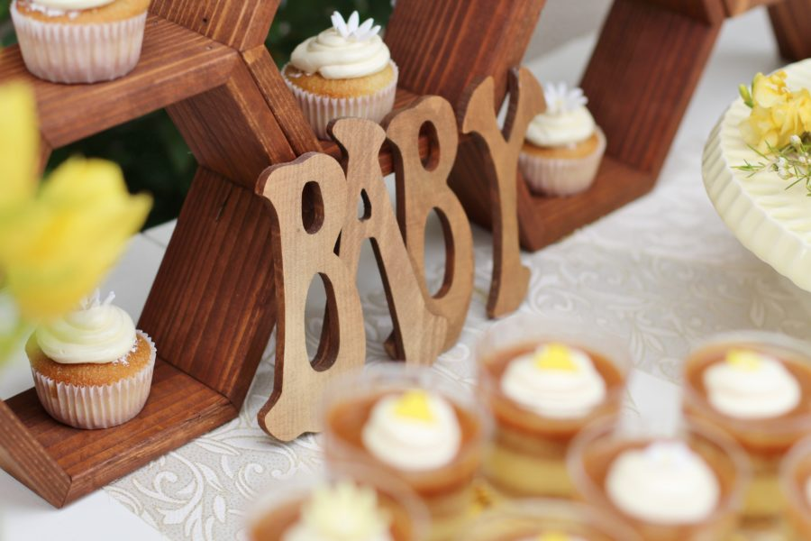 baby-to-bee-outdoor-shower-wood-letters