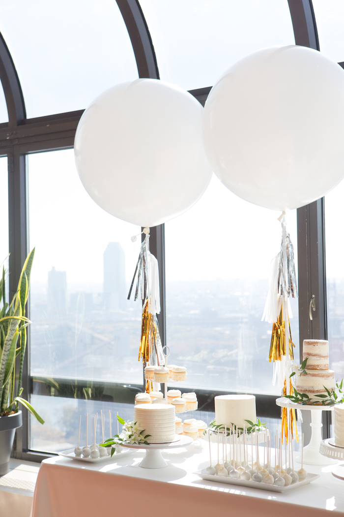 shimmering-chic-baby-shower-giant-balloons