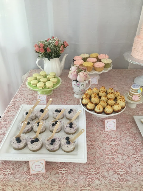 floral-tea-party-baby-shower-treat-spread